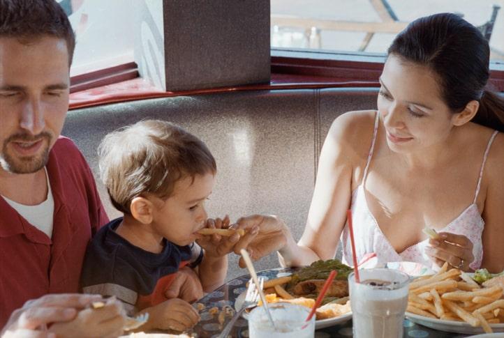 banning children from restaurant