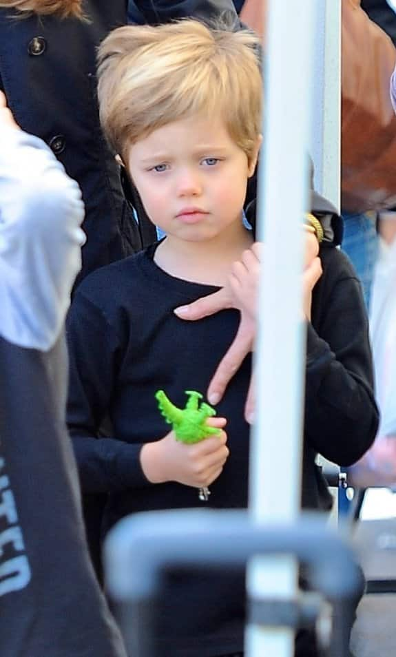 Shiloh Jolie Pitt Chops Her Hair People Label Tomboy