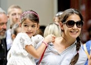 In Another Well Played Move By Team Katie, Child Support For Suri Is Golden