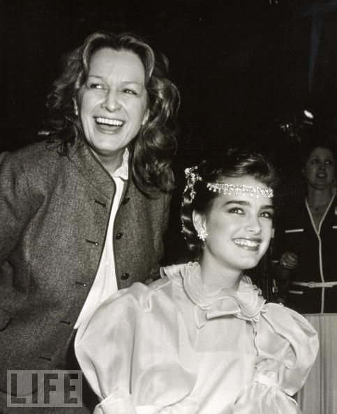 5 Very Complex Quotes About The Complex Momager Teri Shields