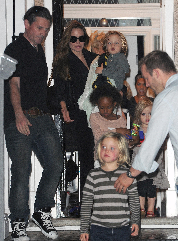 Jolie Pitt kids airport