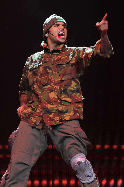 Chris Brown And Rihanna Collaboration Birthday Cake Makes Abuse Sexy