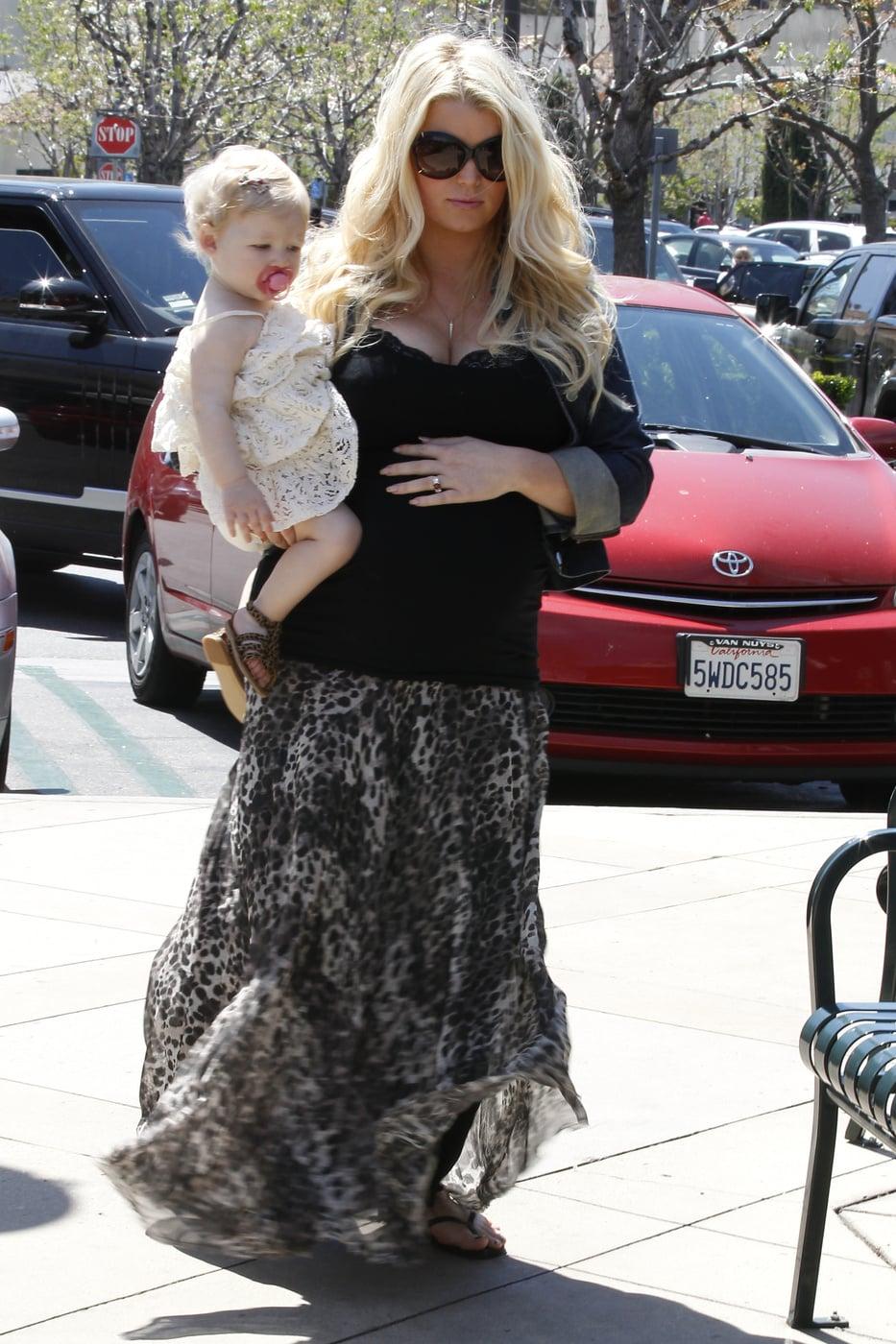 pregnant Jessica Simpson