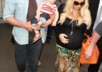 Jessica Simpson Is Racing Her Very Fertile Uterus To The Altar