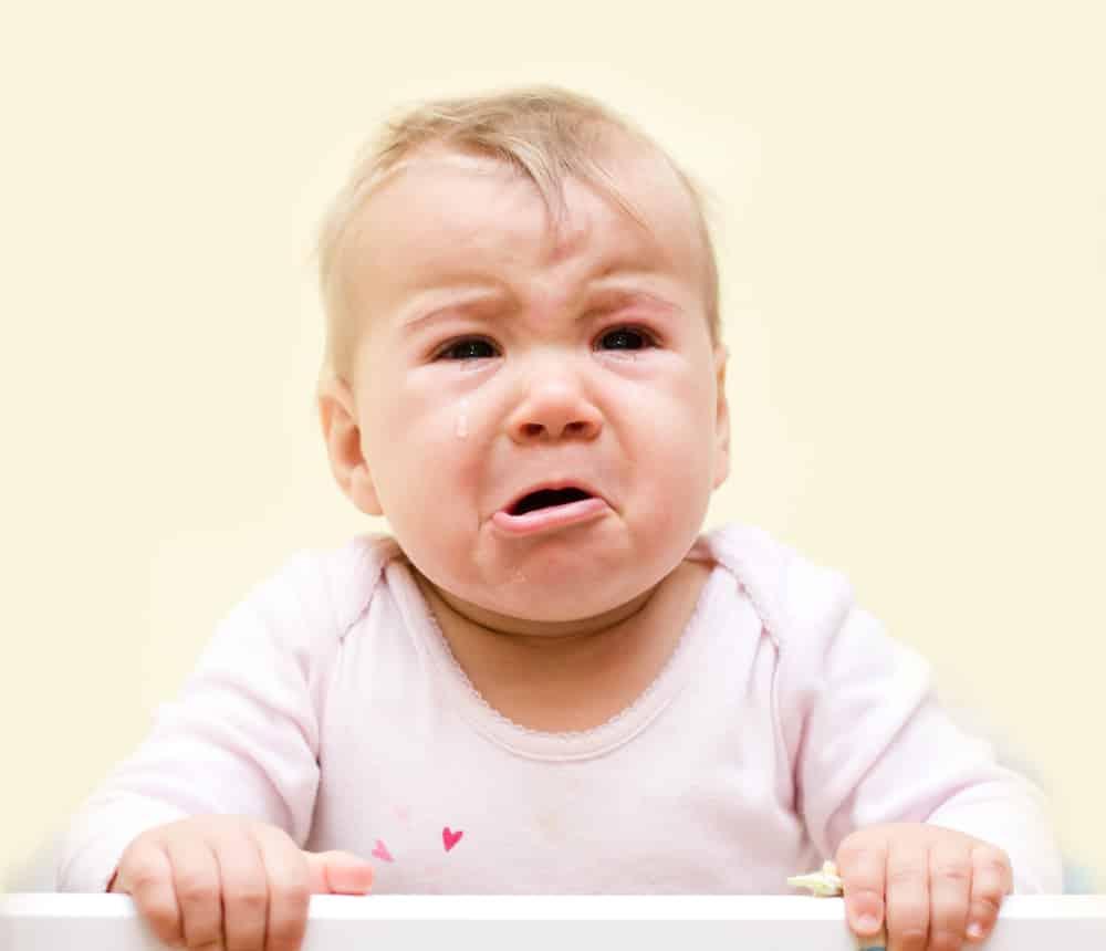 Почему в 3 месяца ребенок плачет