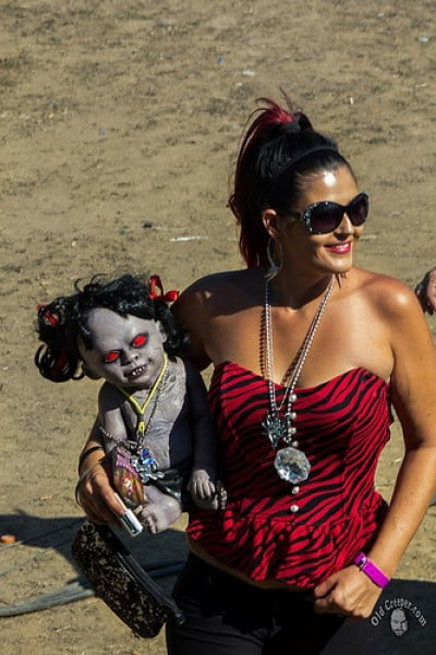 juggalette with creepy baby