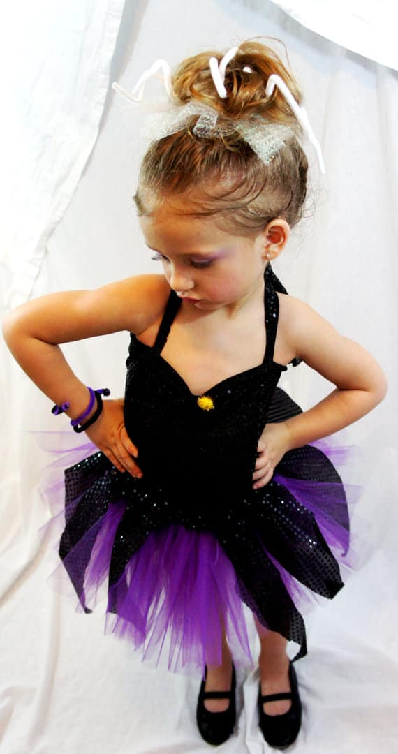 15 princess halloween costumes done right mommyish etsy solutioingenieria Image collections