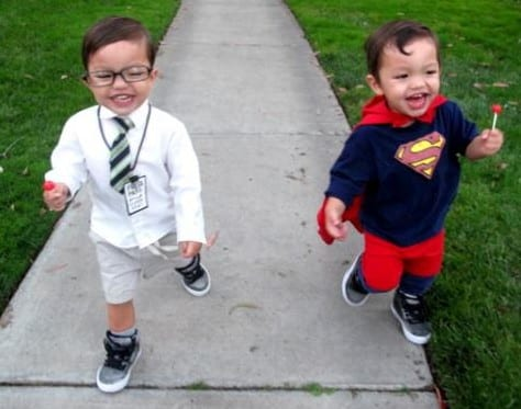 Sfgate.com  sc 1 st  Mommyish & 10 Halloween Costumes For Twins That Will Make You Squee