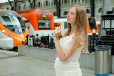 pregnant-woman-train