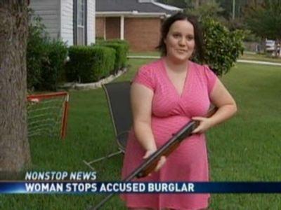 eGhub2JuMTI=_o_910---pregnant-woman-uses-gun-to-stop-accused-buglar