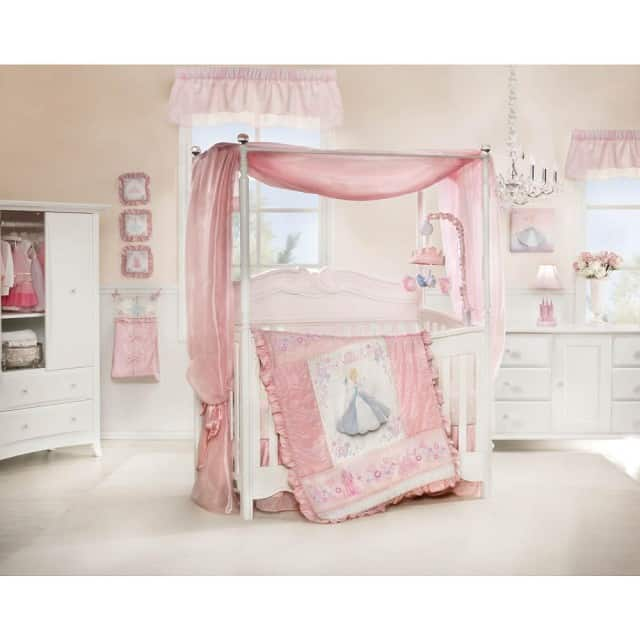 Marvelous crib set