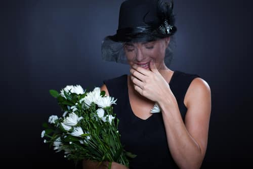 Widowed mother dating again