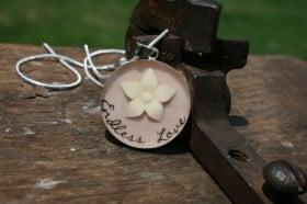 breast-milk-pendant