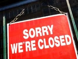 closed-sign-on-door