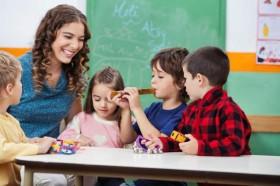 daycare-teacher-kids