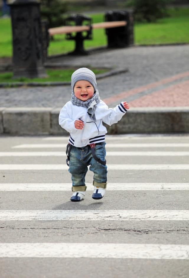 baby-crossing-the-street