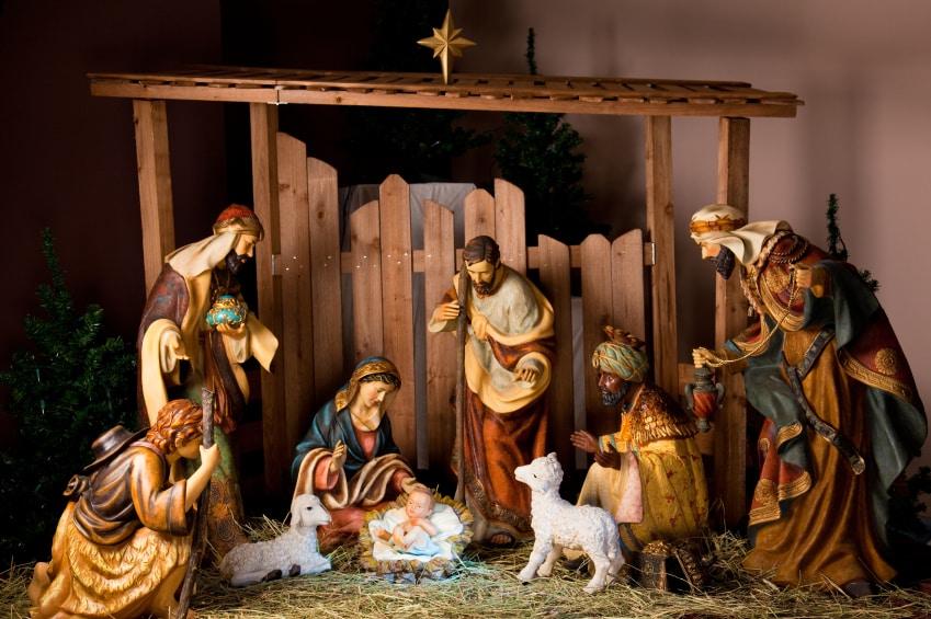newborn baby found in nativity scene in queens church. Black Bedroom Furniture Sets. Home Design Ideas