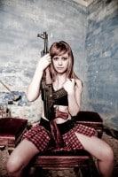 sexy-girl-gun-ak-47