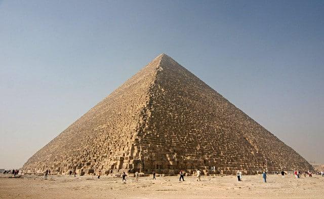 1280px-Kheops-Pyramid