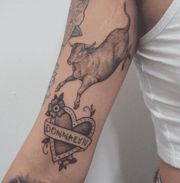 13 gorgeous mom tribute tattoos. Black Bedroom Furniture Sets. Home Design Ideas