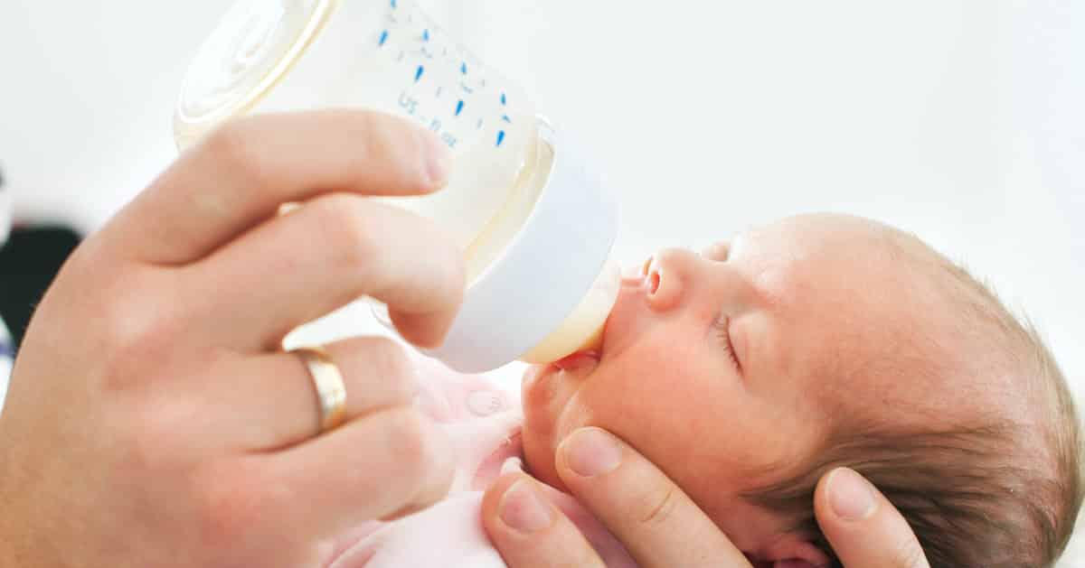 feeding baby cold milk
