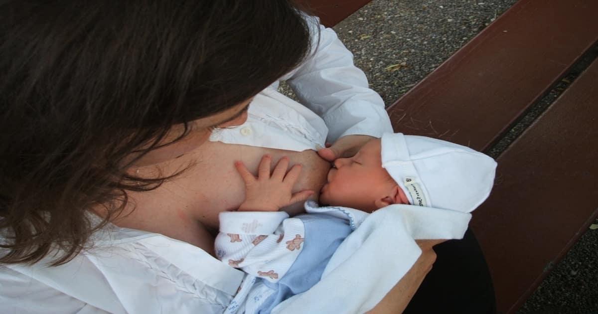 breastfeeding complication