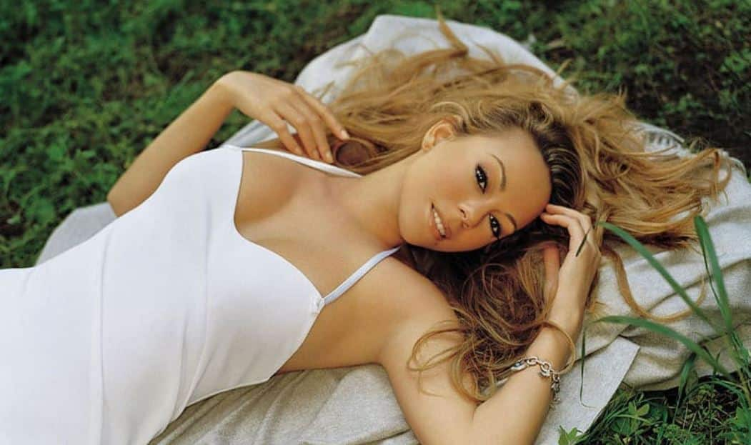 Mariah Carey opens up about her struggle with bipolar disorder