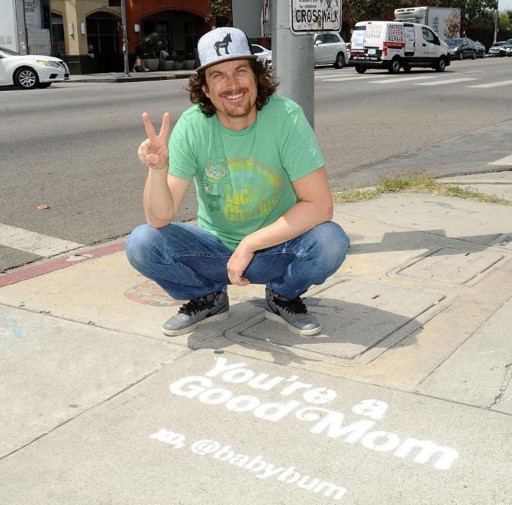 Most Popular Baby Names 2018 Oliver Hudson Posing With Good Mom Sidewalk Art Instagram